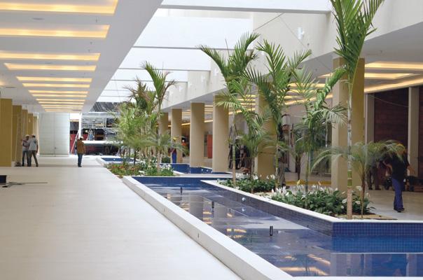 Além das âncoras de serviços Poupatempo, Detran, Cartório de Registro de Imóveis e Cartório Mesquita, o shopping Parque Mall contará com 77 lojas e 17 quiosques