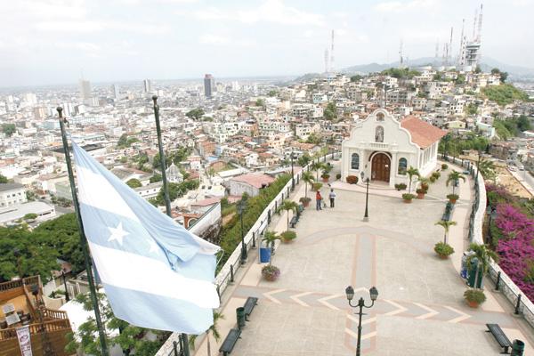 Maior cidade do país, Guayaquil é uma metrópole com evidentes problemas urbanos e sociais ainda por serem superados