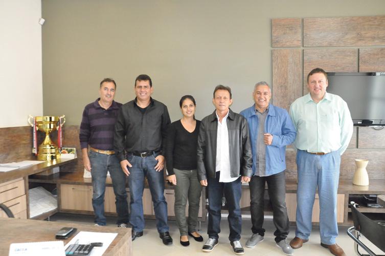 Equipe da Centra Imóveis que sempre prima por conforto, segurança, agilidade e comprometimento ao tratar o cliente