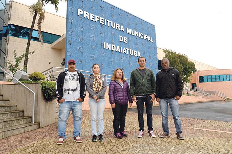 Para evitar problemas os funcionários são identificados por crachás e se o contribuinte tiver dúvida pode ligar para o Setor de Cadastro Foto: Eliandro Figueira - SCS/PMI