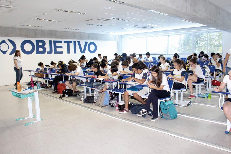 15 - Aulas especiais aprimoram a preparação para vestibulares no Objetivo
