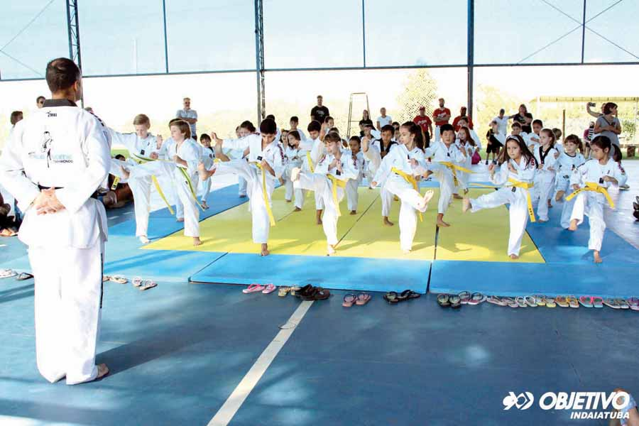 11 - Apresentação de Taekwondo na Manhã Esportiva do Objetivo