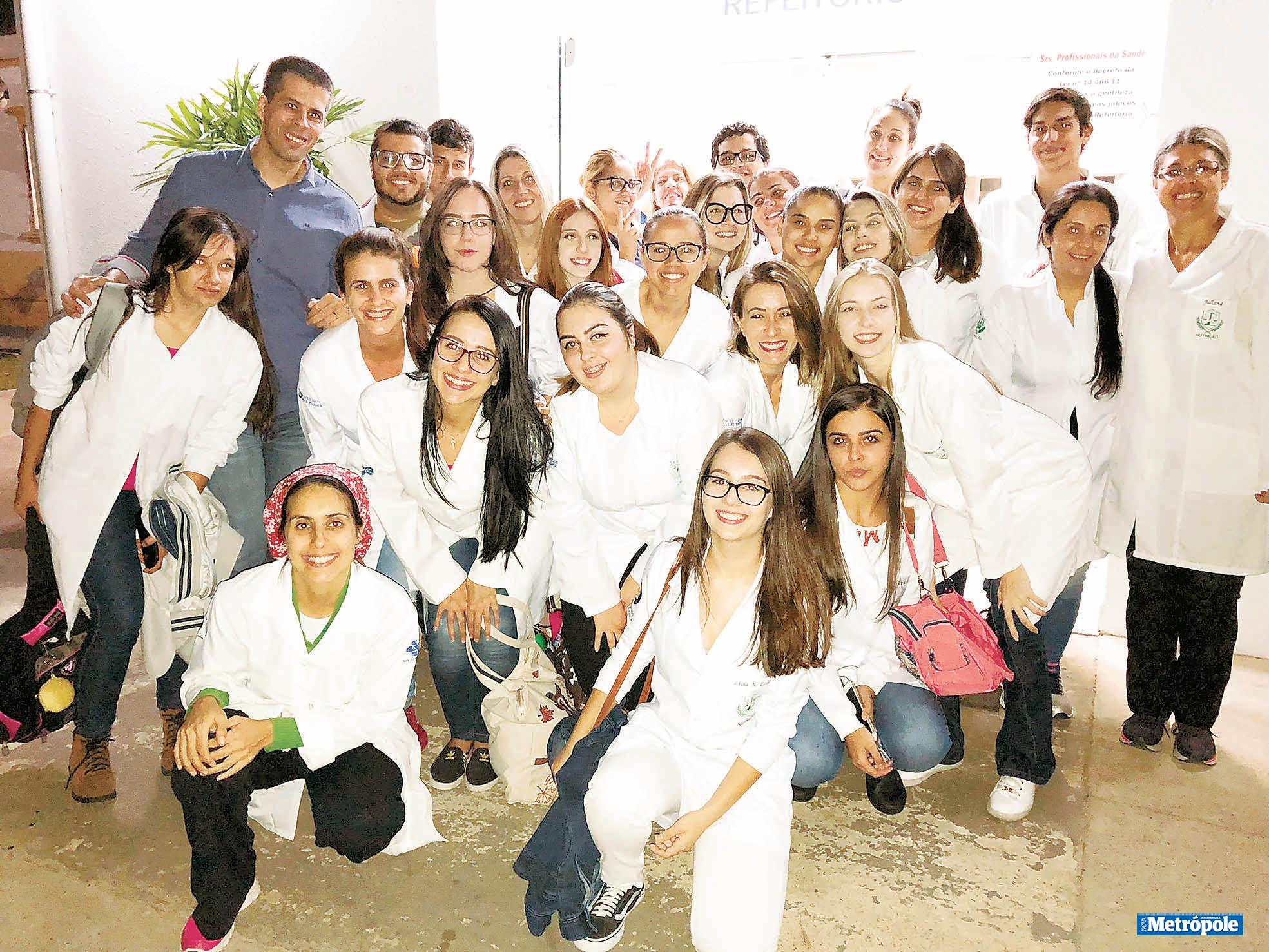 28 - Alunos de Nutrição da UniMAX visitam Setor de Nutrição e Dietética do HAOC