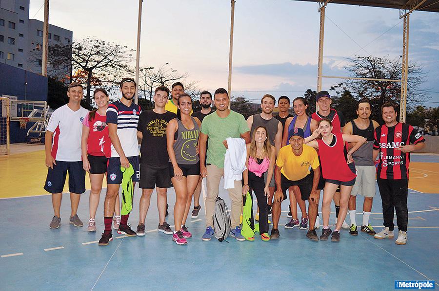 28 - Foto 1 - Alunos de Educação Física da UniMAX desenvolvem projeto esportivo