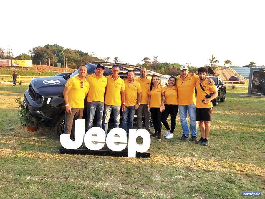 02 - Jeep Balilla Indaiatuba marca presença no evento Jeep Territory, realizado no Shopping Parque Dom Pedro em Campinas