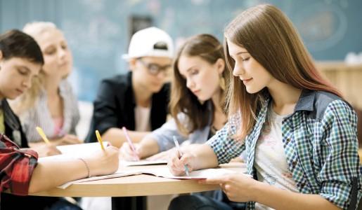 Educação, alunos da rede pública podem concorrer a bolsas
